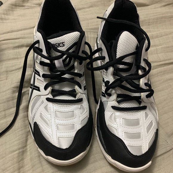 Asics Shoes   New Volleyball Size 9 12